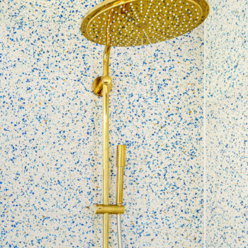 Shower Paris White Terrazzo tiles in this project. 50x50x2cm